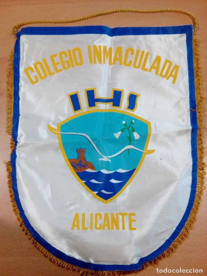 ANTIGUO BANDERIN COLEGIO INMACULADA ALICANTE AÑOS 70 - MEDIDAS 42 X 32 (Coleccionismo Deportivo - Banderas y Banderines de Fútbol)