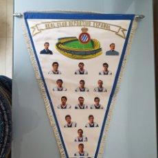 Coleccionismo deportivo: GRAN BANDERÍN R.C. DEPORTIVO ESPAÑOL FIRMADO 1972-73 3° CLASIFICADO LIGA 52X35CM. Lote 113436182