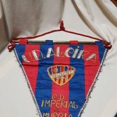 Coleccionismo deportivo: BANDERIN U.D. ALCIRA VS C.D. IMPERIAL DE MURCIA 31 - 5 - 73 . BORDADO . GRAN TAMAÑO. Lote 113497027