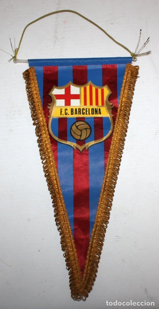 BANDERÍN DEL FÚTBOL CLUB BARCELONA. AÑOS 70. BUEN ESTADO (Coleccionismo Deportivo - Banderas y Banderines de Fútbol)