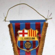 Coleccionismo deportivo: BANDERÍN DEL FÚTBOL CLUB BARCELONA. AÑOS 70. BUEN ESTADO. Lote 114602743