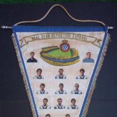 Coleccionismo deportivo: BANDERÍN DE TELA REAL CLUB DEPORTIVO ESPAÑOL ESPANYOL TEMPORADA 72/73 (52X35 CM) CON FIRMAS IMPRESAS. Lote 114730867