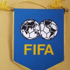 Coleccionismo deportivo: ANTIGUO BANDERIN - FIFA. Lote 115146215