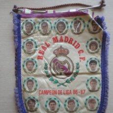 Coleccionismo deportivo: BANDERIN REAL R MADRID CAMPEON LIGA 1986 1987 86 87 MAL ESTADO. Lote 115518255