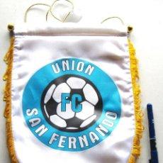 Coleccionismo deportivo: BANDERIN PENNANT FC UNION SAN FERNANDO HENARES DE MADRID 29 X 20 CM GRANDE. Lote 116062763