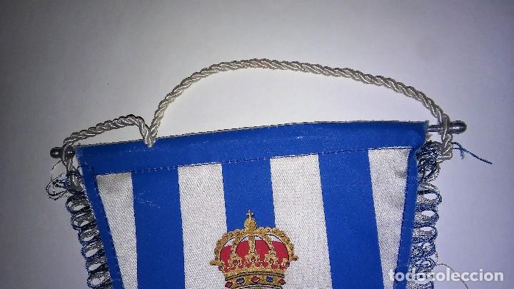 Coleccionismo deportivo: Banderín con ribete del Real Club deportivo español, con varilla de aluminio, antiguo - Foto 4 - 116387235