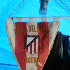 Coleccionismo deportivo: ANTIGUO BANDERÍN.. ATLÉTICO DE MADRID..MIRAR FOTOS ESTADO. Lote 118297946