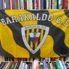Coleccionismo deportivo: BANDERA DEL BARAKALDO CLUB DE FUTBOL. TDKDEP13. Lote 118925203