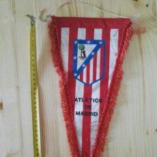 Coleccionismo deportivo: BANDERIN ATLÉTICO DE MADRID FÚTBOL ANTIGUO. Lote 119376404