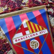 Coleccionismo deportivo: BANDERÍN FUTBOL BARCELONA ATLETIC, AÑOS 80'S, 23CM.. Lote 120627718