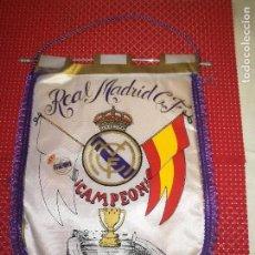 Coleccionismo deportivo: REAL MADRID, C. F. - CAMPEON DE LIGA 86-87 . Lote 122145235