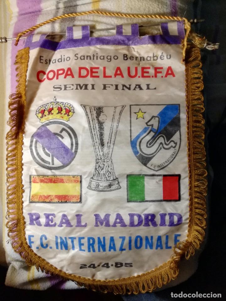COPA DE LA U.E.F.A. REAL MADRID - F.C. INTERNAZIONALE. (Coleccionismo Deportivo - Banderas y Banderines de Fútbol)