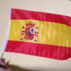 Coleccionismo deportivo: 1 ANTIGUA BANDERA SISTEMA VENTANA DE COCHE SELECCION ESPAÑOLA FUTBOL ESPAÑA , MUNDIALES ... . Lote 125033871