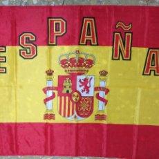 Coleccionismo deportivo: 138X86 CM GRAN ANTIGUA BANDERA SELECCION ESPAÑOLA FUTBOL ESPAÑA , MUNDIALES ... TELA COLGADURA. Lote 125036399