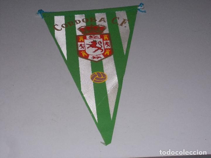 BANDERÍN CÓRDOBA C.F., MIDE 26 CM. DE LARGO (Coleccionismo Deportivo - Banderas y Banderines de Fútbol)