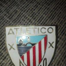 Coleccionismo deportivo: PLACA PARA COCHE FUTBOL ATLETICO BILBAO AÑOS 60. Lote 127972727