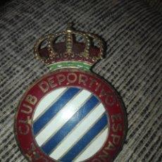 Coleccionismo deportivo: PLACA PARA COCHE FUTBOL REAL CLUB DEPORTIVO ESPAÑOL AÑOS 60. Lote 127973488