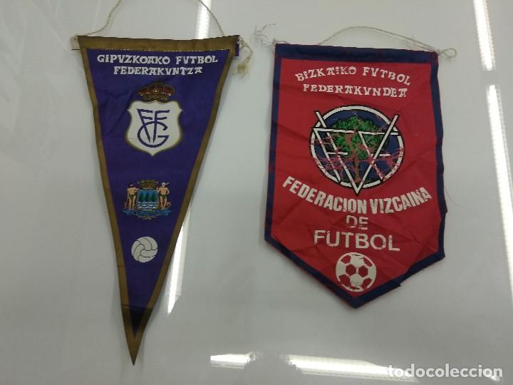 ANTIGUOS BANDERINES FEDERACION VIZCAINA Y GUIPUZCOANA DE FUTBOL PAIS VASCO (Coleccionismo Deportivo - Banderas y Banderines de Fútbol)