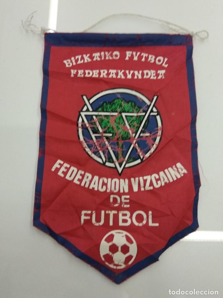 Coleccionismo deportivo: ANTIGUOS BANDERINES FEDERACION VIZCAINA Y GUIPUZCOANA DE FUTBOL PAIS VASCO - Foto 3 - 128040855