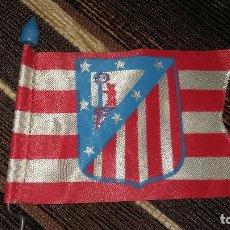 Coleccionismo deportivo: BANDERIN DEL ATLETICO DE MADRID PARA BICICLETA, AÑOS 80. Lote 128836267