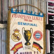 Coleccionismo deportivo: BANDERÍN CHAMPIONS LEAGUE SEMIFINAL 1999 2000 REAL MADRID CLUB DE FUTBOL BAYERN. Lote 130233323