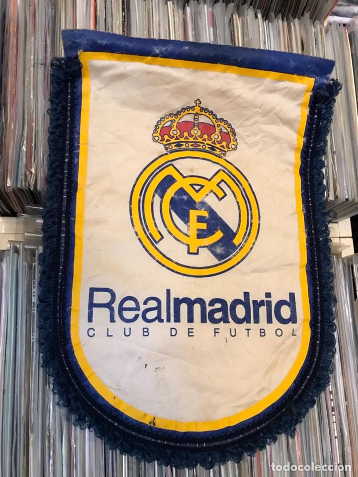 Coleccionismo deportivo: Lote de 2 banderines del real madrid club de futbol - Foto 5 - 130234471