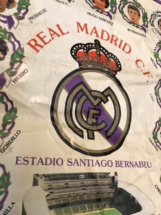 Coleccionismo deportivo: Banderín real madrid club de futbol hugo sanchez luis enrrique butragueño - Foto 3 - 130234720
