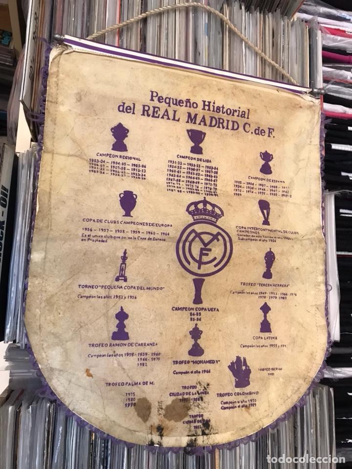 Coleccionismo deportivo: Banderín real madrid club de futbol hugo sanchez luis enrrique butragueño - Foto 6 - 130234720