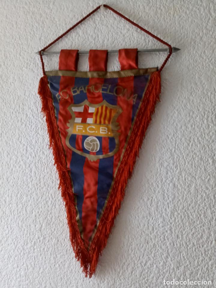 Coleccionismo deportivo: BANDERIN CF BARCELONA - IMPRESO EN BOLGRAPH DE BARCELONA - 47 x 31 CMS - Foto 3 - 130658013