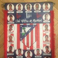 Coleccionismo deportivo: ANTIGUO BANDERIN FUTBOL AT ATLETICO MADRID TEMPORADA 1997 1998. Lote 131259795
