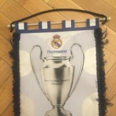 Coleccionismo deportivo: ANTIGUO BANDERIN FUTBOL REAL MADRID OCTACAMPEON FINAL CHAMPIONS 2000 PARIS VALENCIA. Lote 131260623