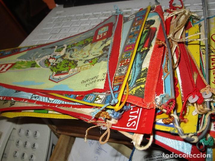 Coleccionismo deportivo: gran LOTE 30 BANDERINES VARIADOS ANTIGUOS CIUDADES ESPAÑA EUROPA DOMUND CANARIAS ALICANTE ETC - Foto 2 - 134900902