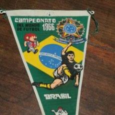 Coleccionismo deportivo: BANDERIN - CAMPEONATO MUNDO FUTBOL - SELECCION BRASIL - TELA - PUBLICIDAD GIOR - AÑO 1966. Lote 135139334
