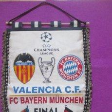 Coleccionismo deportivo: BANDERIN FUTBOL, UEFA CHAMPIONS LEAGUE, FINAL VALENCIA C.F - FC BAYERN MÜNCHEN, 2001. Lote 135955026