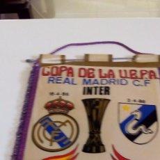 Coleccionismo deportivo: BANDERINESVREAL MADRID 42X30. Lote 136821870
