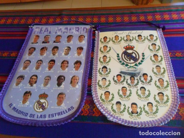 LOTE 2 BANDERÍN GIGANTE 48X33 CMS REAL MADRID C.F. AÑOS 90. RAROS EN MUY BUEN ESTADO. (Coleccionismo Deportivo - Banderas y Banderines de Fútbol)