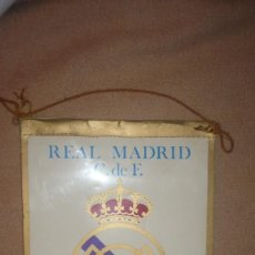 Coleccionismo deportivo: BANDERIN DEL REAL MADRID DE PLÁSTICO. Lote 138116082