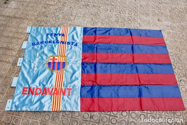 F.C.B BANDERA BORDADA EN SATEN.PENYA BARCELONISTA ENDAVANT. AÑO 1977 (Coleccionismo Deportivo - Banderas y Banderines de Fútbol)