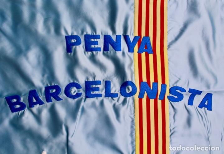 Coleccionismo deportivo: F.C.B BANDERA BORDADA EN SATEN.PENYA BARCELONISTA ENDAVANT. AÑO 1977 - Foto 6 - 139964530