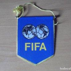 Coleccionismo deportivo: BANDERINES-FIFA-13CM. Lote 140015998