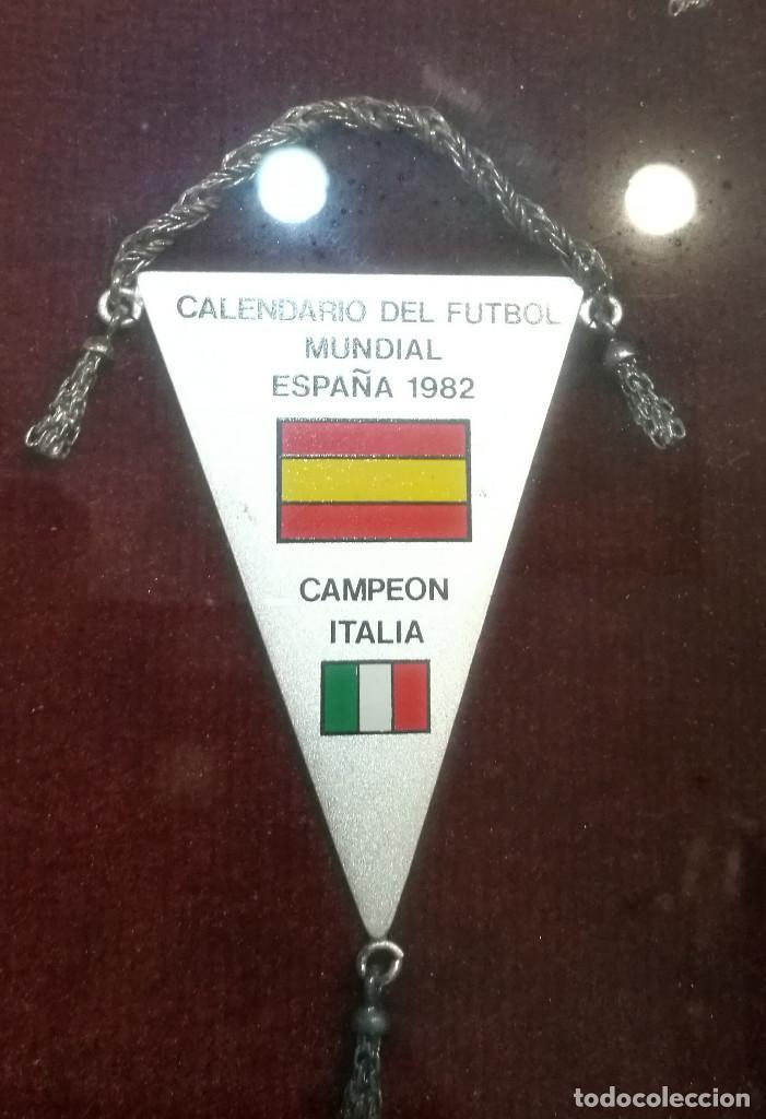 Coleccionismo deportivo: COLECCIÓN DE 12 BANDERINES EN PLATA - MUNDIALES DE FUTBOL 1930-1982 ENMARCADOS - Foto 3 - 140367962
