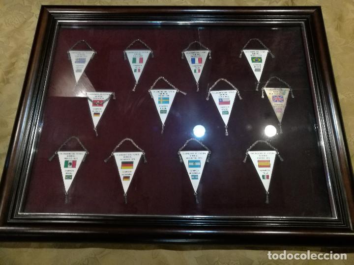Coleccionismo deportivo: COLECCIÓN DE 12 BANDERINES EN PLATA - MUNDIALES DE FUTBOL 1930-1982 ENMARCADOS - Foto 4 - 140367962