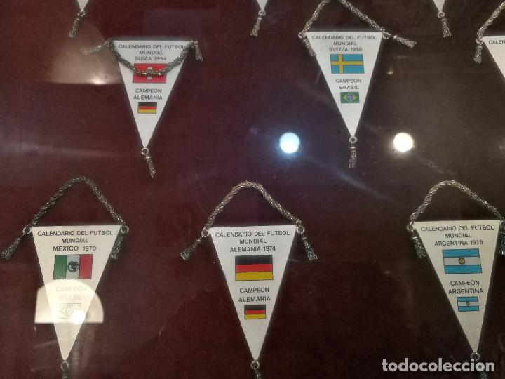 Coleccionismo deportivo: COLECCIÓN DE 12 BANDERINES EN PLATA - MUNDIALES DE FUTBOL 1930-1982 ENMARCADOS - Foto 5 - 140367962