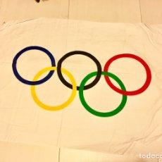 Coleccionismo deportivo: ANTIGUA BANDERA JUEGOS OLÍMPICOS,OLIMPIADAS DEPORTE. Lote 140470848