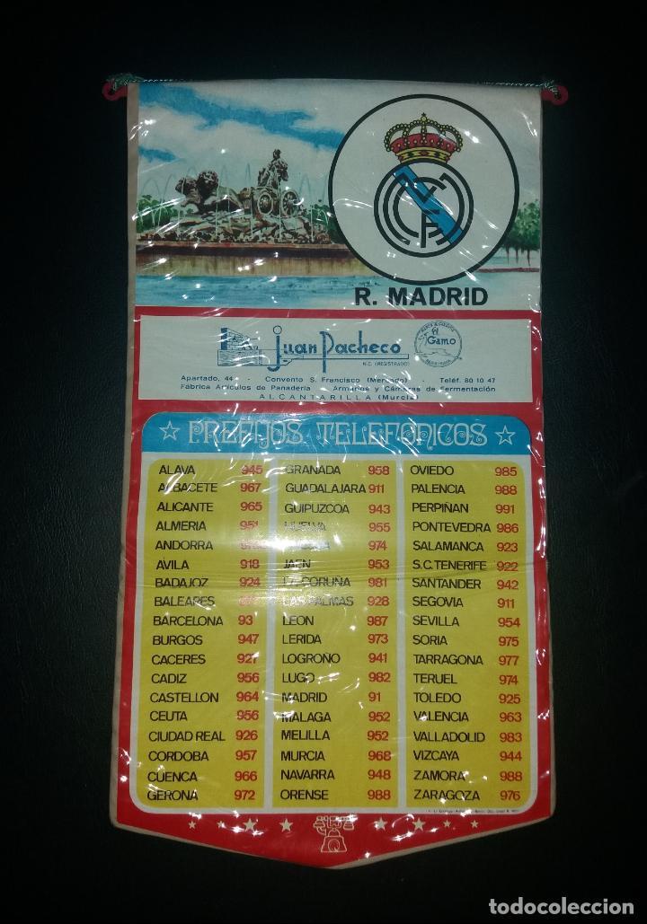 Coleccionismo deportivo: Banderín prefijos telefónicos. Real Madrid, publicidad Juan Pacheco de Alcantarilla (Murcia), 70s - Foto 2 - 140620274