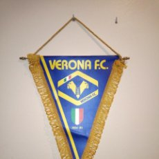 Coleccionismo deportivo: ANTIGUO BANDERÍN DEL VERONA FÚTBOL CLUB. 1984-1985. Lote 142258394