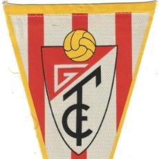 Coleccionismo deportivo: GRANADA CLUB DE FUTBOL ANTIGUO BANDERIN OQBSEQUIO DE CARAMELOS KIKI AÑOS 60. Lote 143997346