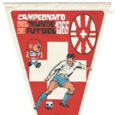 Coleccionismo deportivo: CAMPEONATO DEL MUNDO DE FUTBOL 1966 SELECCION SUIZA ANTIGUO BANDERIN TELA PUBLICIDAD JABON GIOR. Lote 144378698