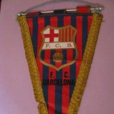 Coleccionismo deportivo: BANDERÍN DEL F. C. BARCELONA. AÑOS 70.. Lote 145277142