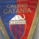 Coleccionismo deportivo: BANDERIN C. C. CATANIA - CALCIO CATANIA MEDIDA 28X 35. Lote 145964294